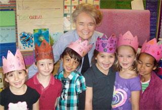 Nellie Edge with kindergartners