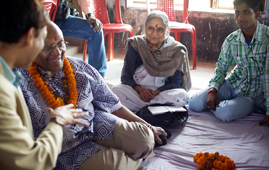 Desmond Tutu and Ela Bhatt with young people participating in a campaign to stop child marriage in Bihar, India