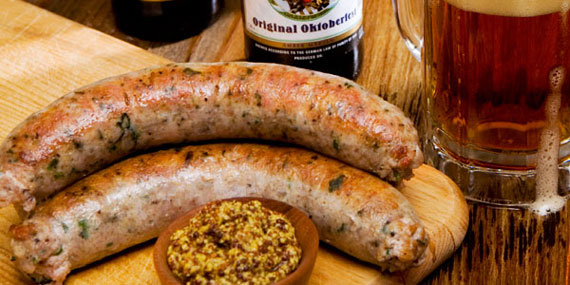 Nugget Bratwurst and beer