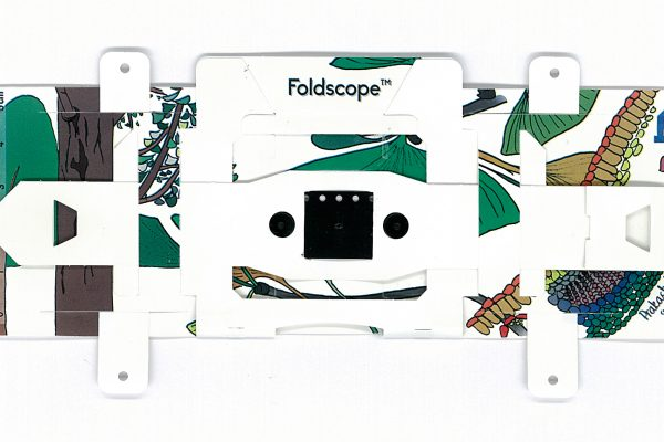 FOLDSCOPE: THE 2000X MICROSCOPE THAT FOLDS INTO YOUR POCKET & COSTS LESS THAN $1